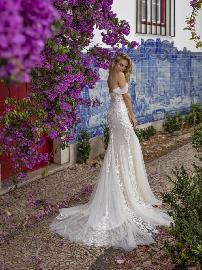 lira_1_ (1) - Venta y alquiler vestidos de novia en Santiago